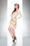 härlig gullig klänningkvinna Arkivbilder