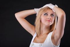 härlig kvinna för handskeståendewhite Fotografering för Bildbyråer