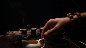 H?llande te in i koppar Kinesisk teaceremoni