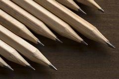 H?lzerne Bleistifte lizenzfreie stockfotografie