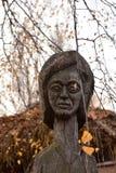 H?lzerne Idole des Chuvash stockbild