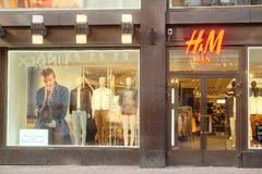 H&M κατάστημα στο Ελσίνκι Στοκ Φωτογραφία