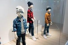 H&M Emquatier的,曼谷,泰国, 2017年9月26日孩子商店 免版税库存照片