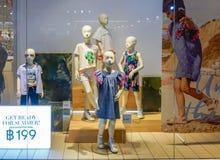 H&M Kid-winkel in Megabangna, Bangkok, Thailand, Jun 2, 2018 stock fotografie