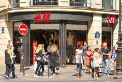 H & M shop in Paris Royalty Free Stock Photography
