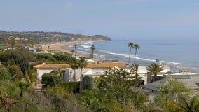 H?rlig kustlinje av Malibu l?ngs PCHEN stock video