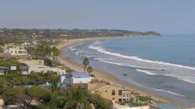 H?rlig kustlinje av Malibu l?ngs PCHEN arkivfilmer