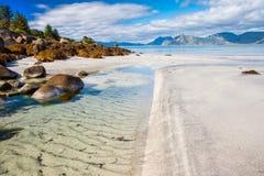 Härlig sikt till den Eggum stranden i Norge, Lofoten öar, Norge arkivbilder