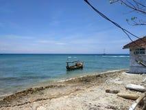 H?rlig strand i Probolinggo Indonesien arkivbild