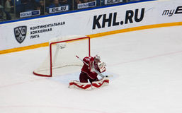 H. Sateri 29 catch a puck Royalty Free Stock Photography