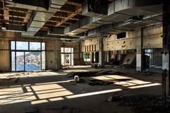 Hôtel abandonné et ruiné Photographie stock
