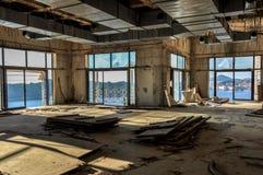 Hôtel abandonné et ruiné Image libre de droits