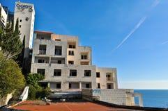 Hôtel abandonné et ruiné Photographie stock libre de droits