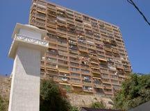 Hôtel ayant beaucoup d'étages sur la plage à Benidorm, Espagne Photographie stock libre de droits
