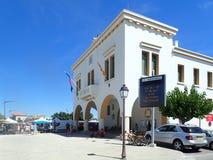 Hôtel central sur Avenue de la République, Saintes-Maries-de-la-Mer, France Photo stock