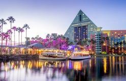 Hôtel de cygne et de dauphin, monde de Disney Photo libre de droits