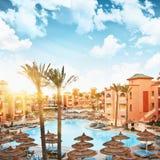 Hôtel de luxe au lever de soleil Image libre de droits