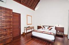 Hôtel de luxe et classique de villa de chambre à coucher Photos libres de droits