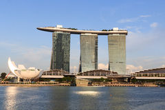 Hôtel de Marina Bay Sands et musée d'ArtScience, Singapour Photos stock