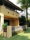Hôtel de tourisme et jardins de style de Balinese Photographie stock