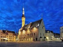 Hôtel de ville à l'aube, Estonie de Tallinn Images stock