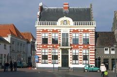Hôtel de ville antique et visiteurs, Hattem, Pays-Bas photos libres de droits