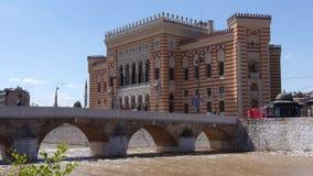 Hôtel de ville, bibliothèque Sarajevo banque de vidéos