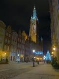 Hôtel de ville de Danzig la nuit Photographie stock libre de droits