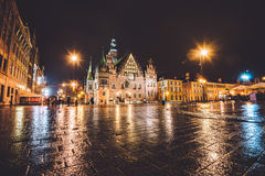 Hôtel de ville de Wroclaw par nuit photographie stock libre de droits