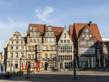 Hôtel de ville et Roland Statue sur la place du marché à Brême images stock