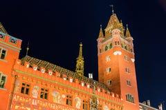 Hôtel de ville (Rathaus) de Bâle la nuit Image libre de droits