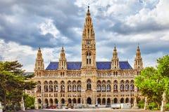 Hôtel de ville (Rathaus) de Vienne à la journée photos libres de droits