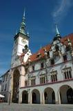 Hôtel de ville sur le grand dos principal d'Olomouc Photos libres de droits