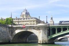 Hôtel Dieu and the bridge of Arcola Royalty Free Stock Photos