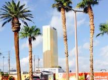 Hôtel Las Vegas d'atout et palmiers Photo stock