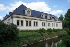 Hôtel sur la rivière Photos stock