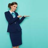 Hôtesse d'air Presenting photo libre de droits