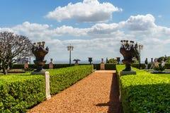 HAÏFA, ISRAËL 25 MARS 2018 : Les terrasses de la foi de Bahai gren le parc au printemps photographie stock libre de droits