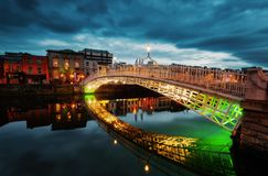 Ha do ` Penny Bridge Dublin imagem de stock royalty free