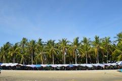 Ha en ferie på strandbilden Arkivbild