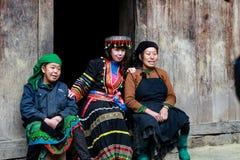 Ha Giang VIETNAM - Januari 01, 2017: Etniska Hmong i Ha Giang, Vietnam Ha Giang är hem- till mestadels levande Hmong Arkivbild