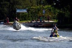 Ha gyckel med waterscooters Arkivbilder