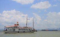 Ha-langer Schacht in Vietnam Lizenzfreie Stockfotos