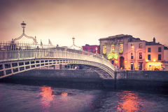 Ha'Penny Bridge Dublin Foto de Stock Royalty Free