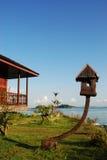ha uppsikt över den tropiska semesterorthavslutningen Royaltyfria Bilder