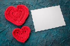 Haak valentijnskaartharten Stock Afbeeldingen