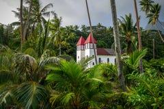 Haapiti kyrka i den Moorea ödjungeln, landskap fotografering för bildbyråer