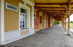 Haapsalu Estland, Europa, järnvägsstationen Royaltyfria Foton