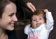 Haar aan zijn pasgeboren hoofd stock afbeeldingen