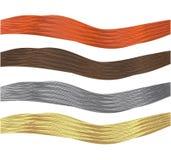 Haar, das mit Gesundheits- und Schönheitsvier Strängen der roten und grauhaarigen Brunetteblondine glänzt Stockfoto